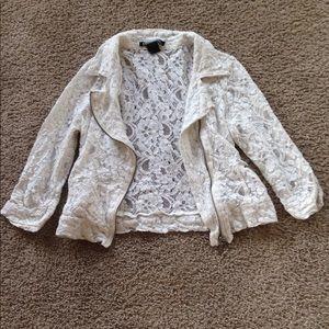 Stooshy, white laced jacket